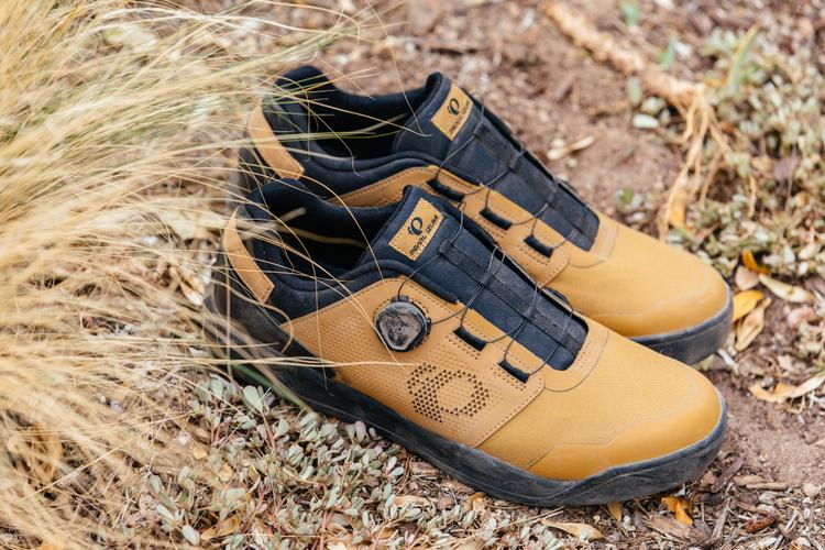 This Just In: PEARL iZUMi X-Alp Launch SPD MTB Shoes