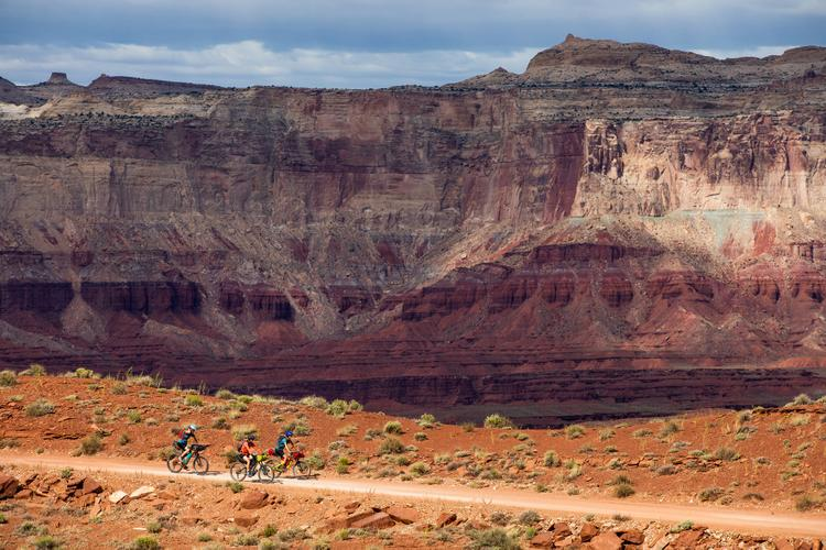 Desert Pack: A Group of Women on a Solo Mission – Bikepacking the San Rafael Swell