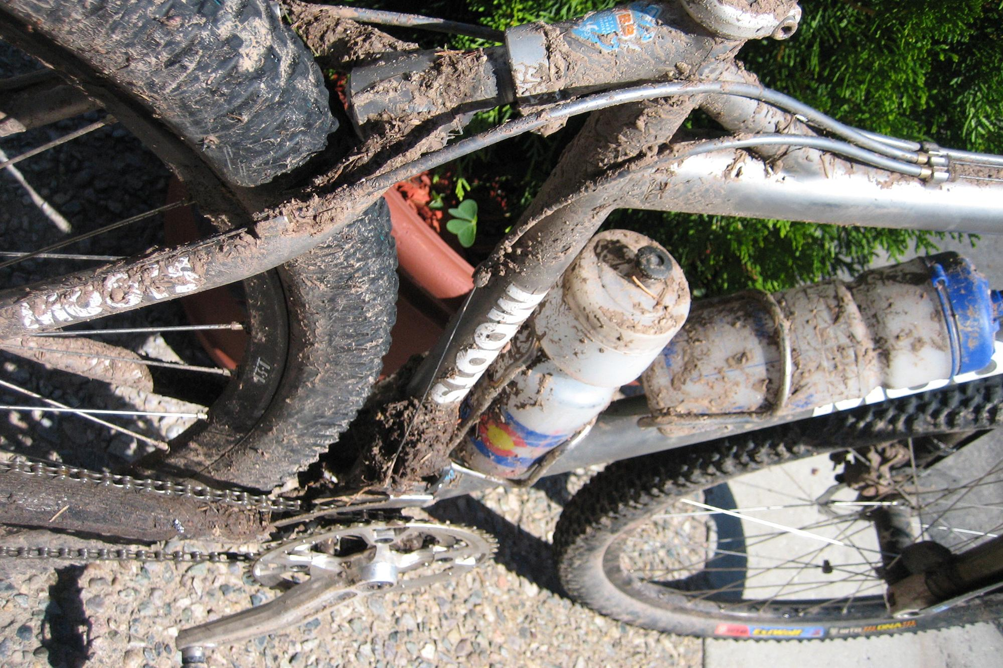 2006 - entire CT - 102 - Bike is dirty