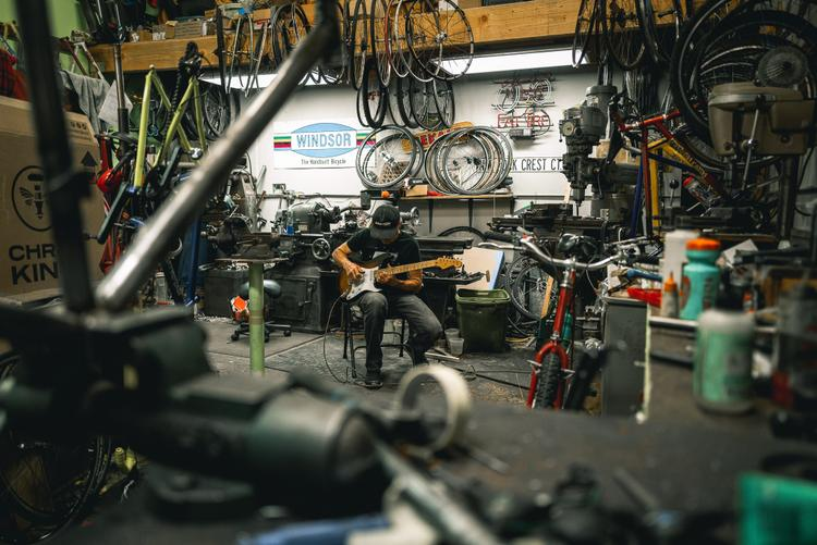 Haute Neanderthal: Inside Rock Lobster Cycles