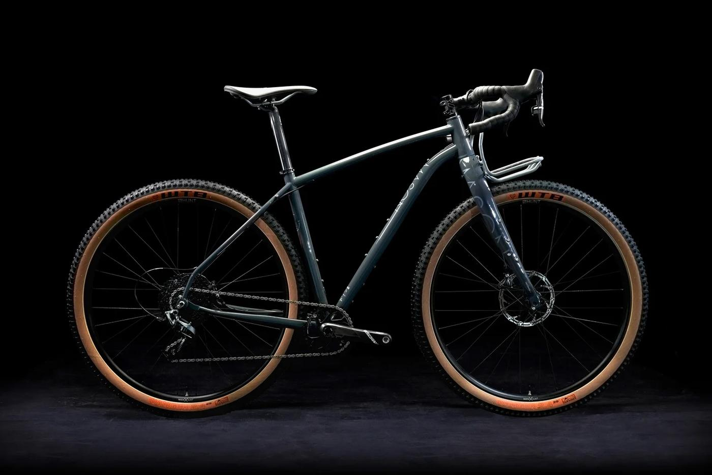 Mason Cycles InSearchOf Redux Features the Condensor Rack and Load-Bearing Fender