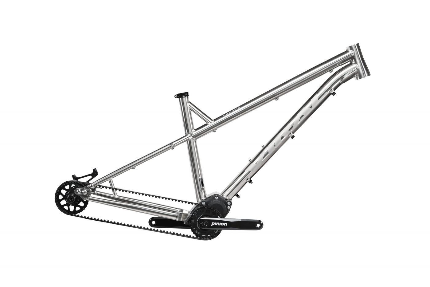 Viral Bikes Update Skeptic Geometry and Increase Dérive's Reach