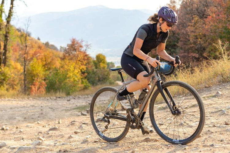 ENVE Launches Made in USA AG25 and AG28 Foundation Gravel Wheels for $1600