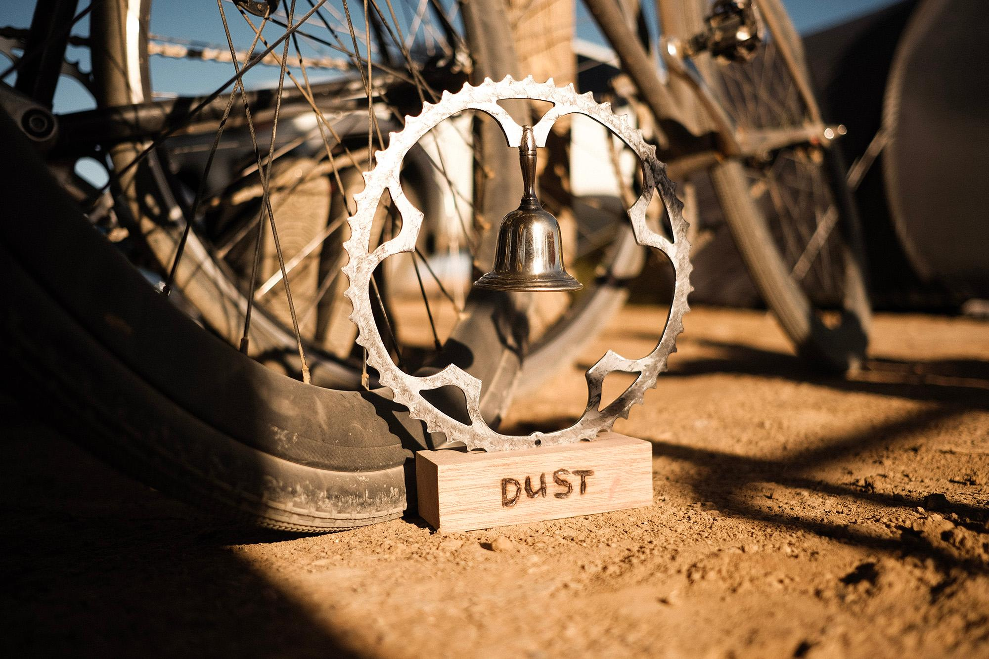 The DUST trophy - definitely not the main reason why everyone is here ... Verneukpan, 2020.