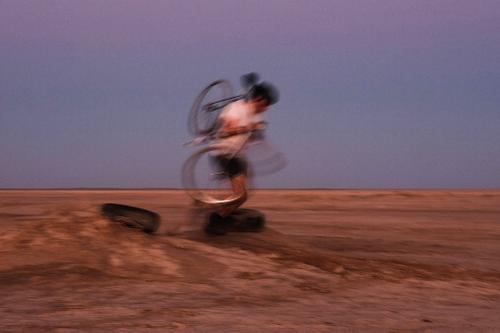 James going full cyclocross on the DUSTlocrit. DUST, Verneukpan, 2020.