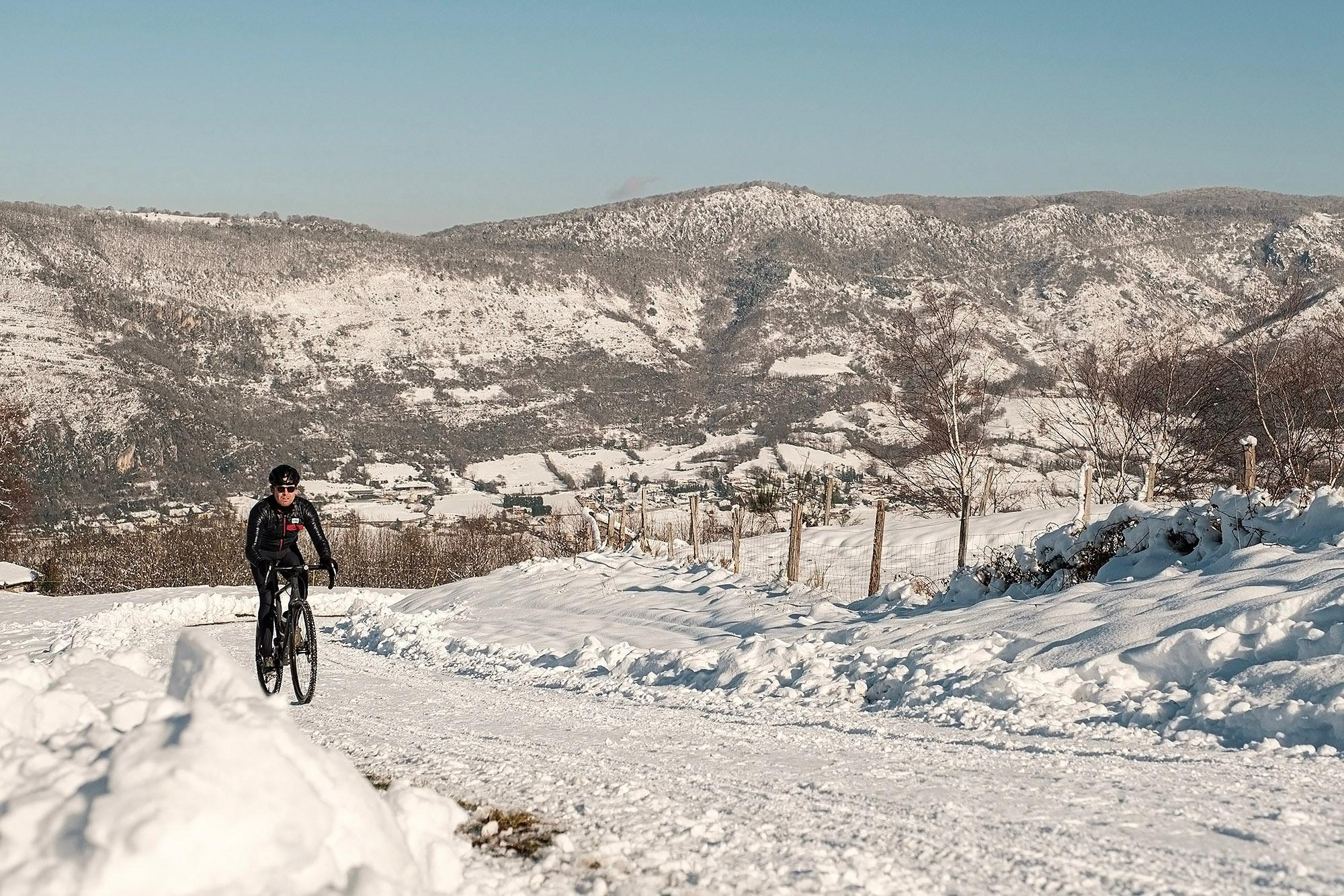 6-TomasMontes_AdP_Hypothermic_Ride_post__TheRadavist_006