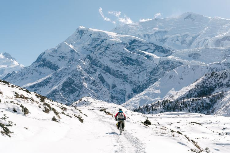 The Frozen Trail to Thorong-La