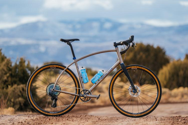 Curtis Inglis' Titanium Retrotec with ENVE Foundation AG25 Gravel Wheels