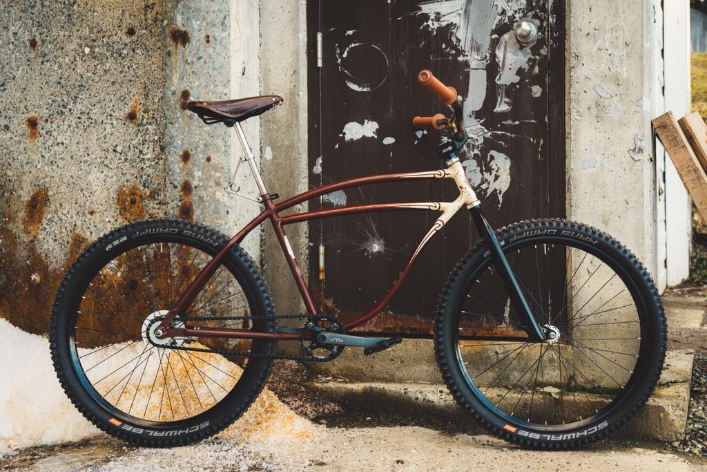 Readers' Rides: Grant from Cowichan Cycles' 1941 Schwinn Cruiser