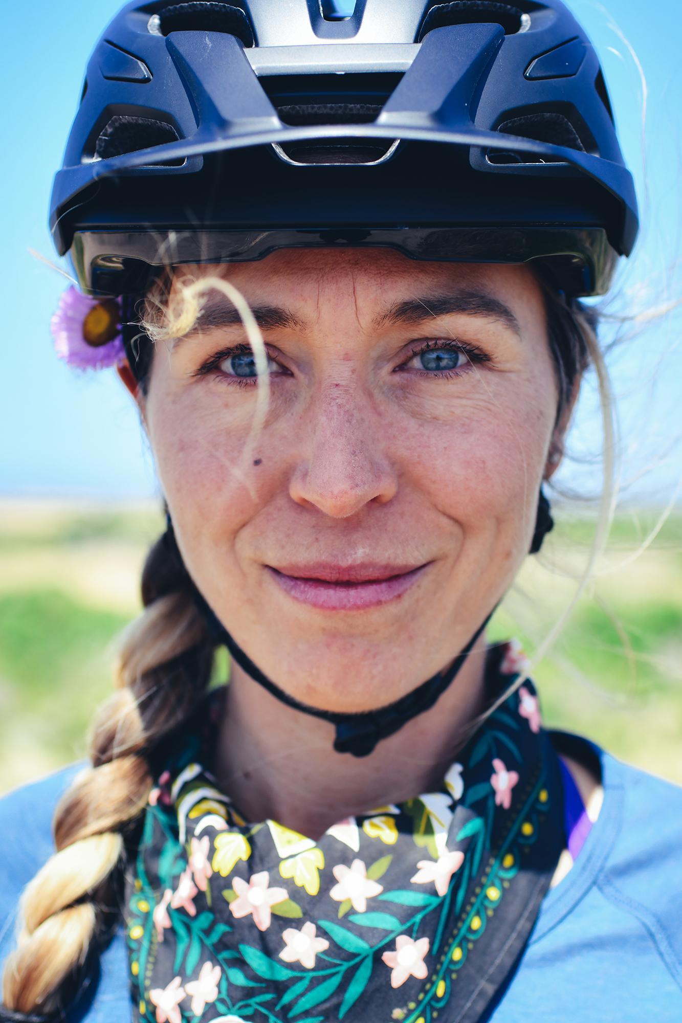 Amanda'sCustom Flashpoint MVMNT Canyon Grizl Gravel Bike