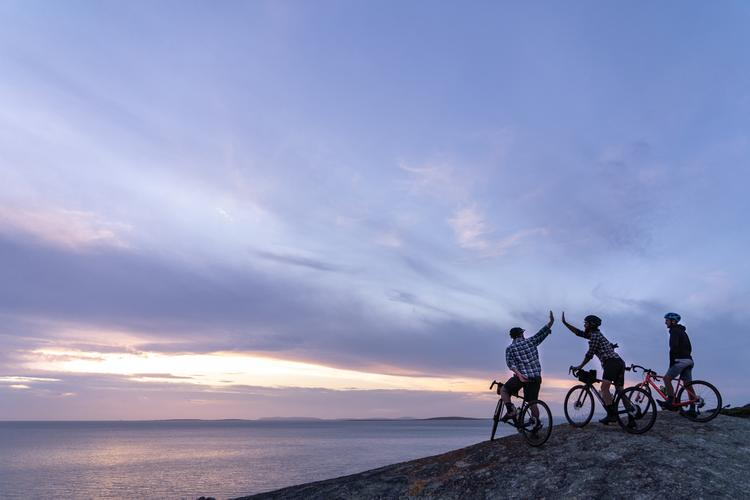 On Island: Riding Gravel on Flinders Island in the Bass Strait