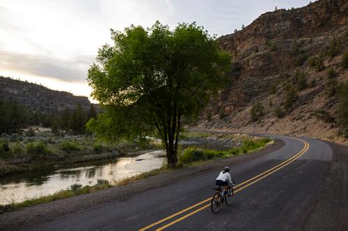 Riding along the Crooked River. (Rugile Kaladyte)