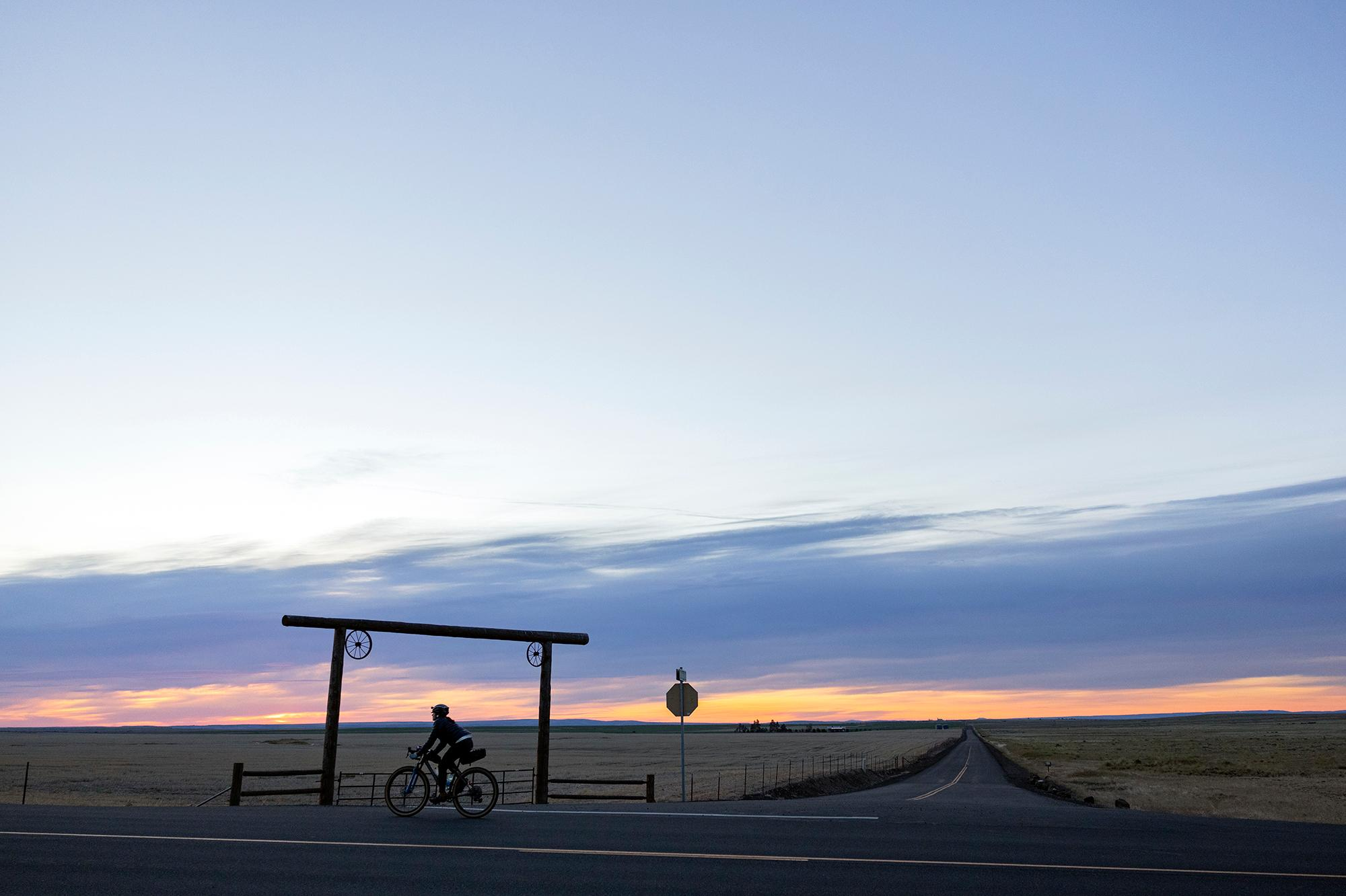Sunrise north of Shaniko. (Rugile Kaladyte)