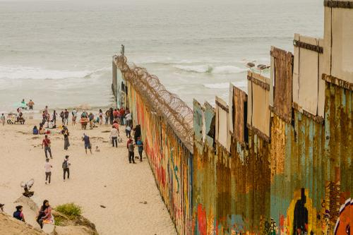 1. The México-USA border in Tijuana_
