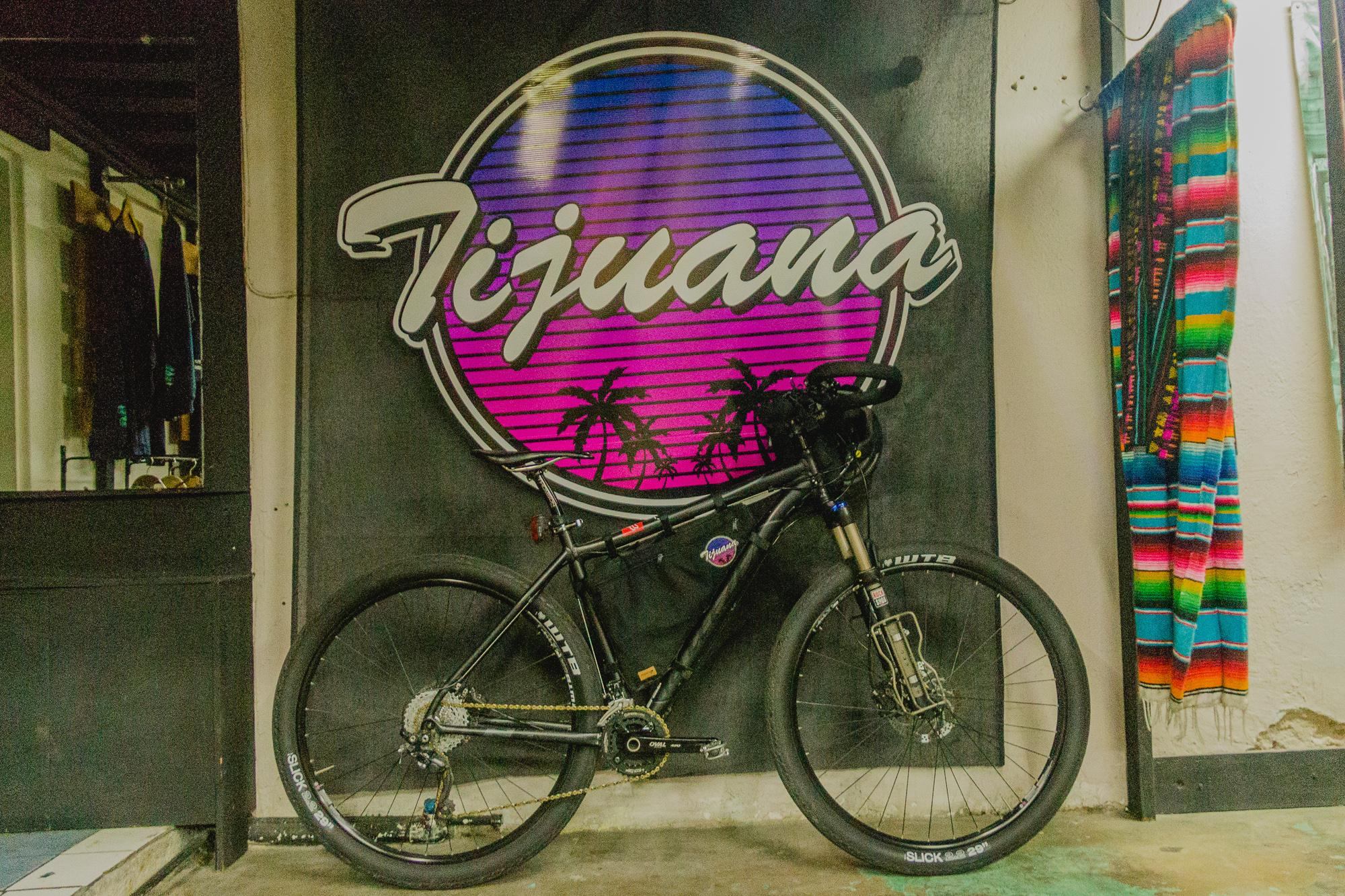 18. A Movigo frame bag on a bike that_s currently on a trip across México_