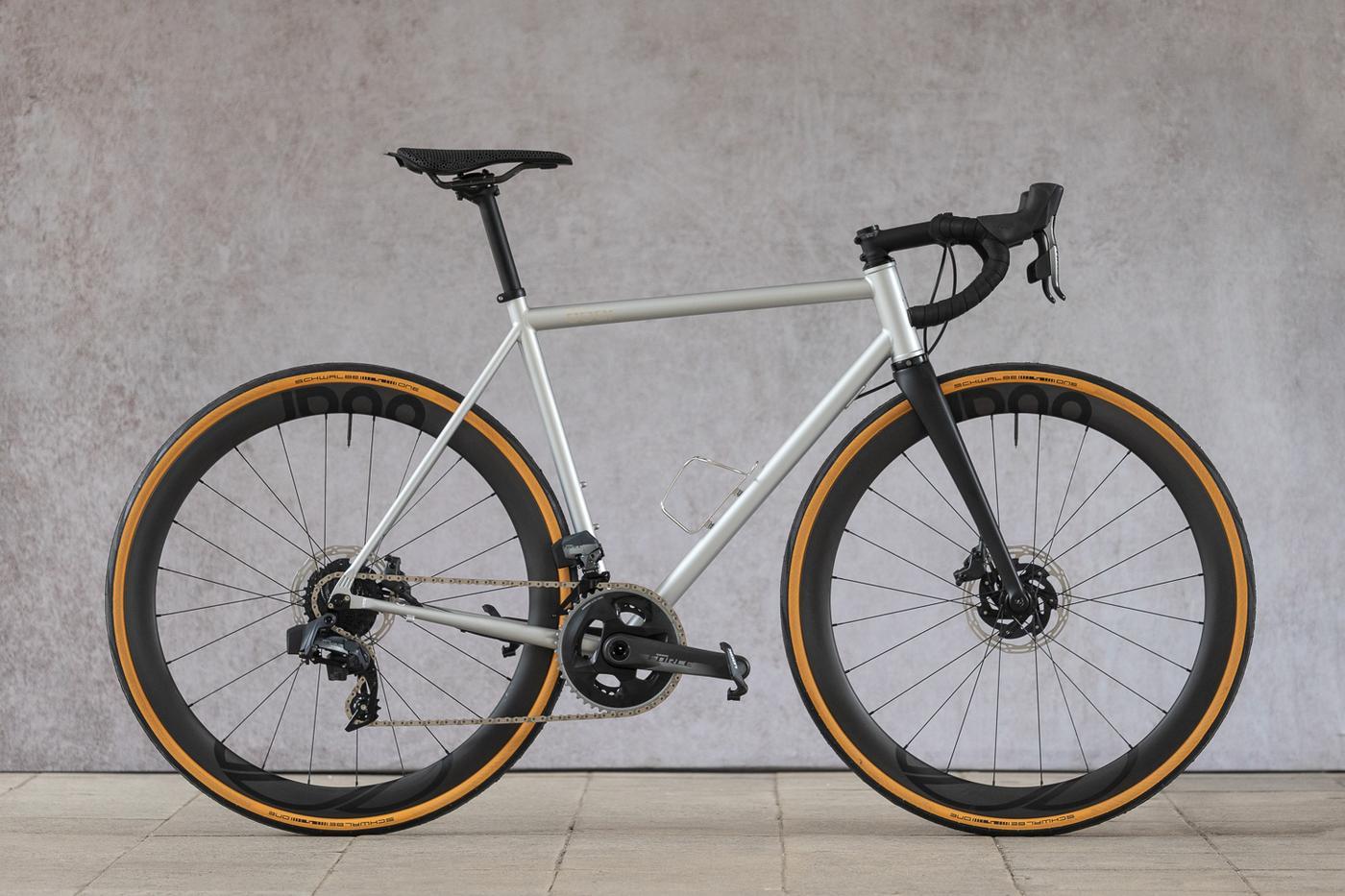 8 Bar Bikes: KRONPRINZ Steel v1 Disc Road