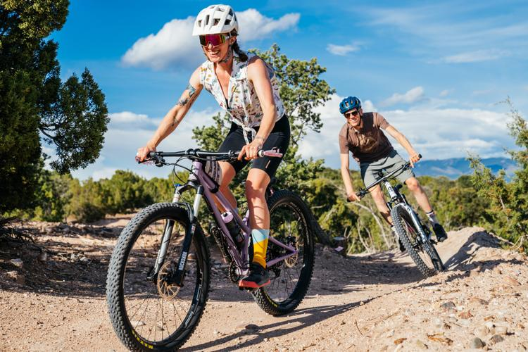 Made in Santa Fe: A Pair of Custom O'Leary Built Mountain Bikes with Evergreen Stitchworks Bags