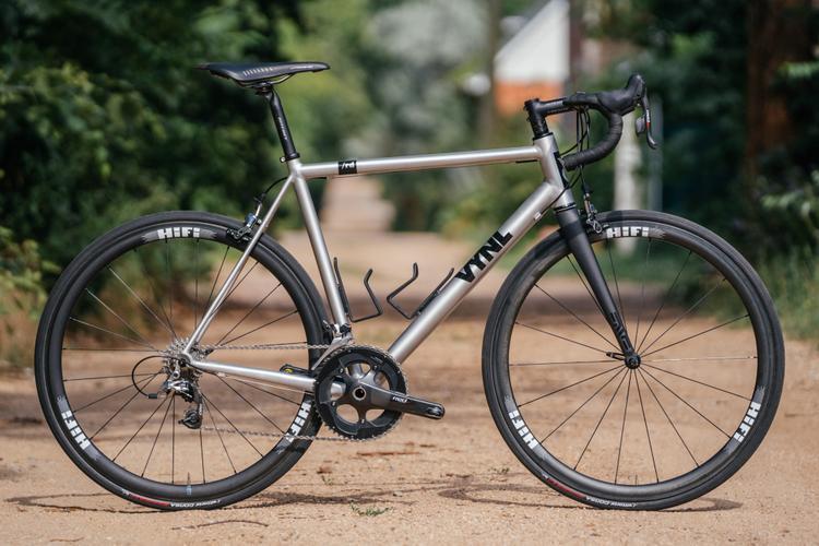 A Look at the New VYNL Bikes: /rd rim – Rim Brake Road Bike and /gr Disc Gravel Bike