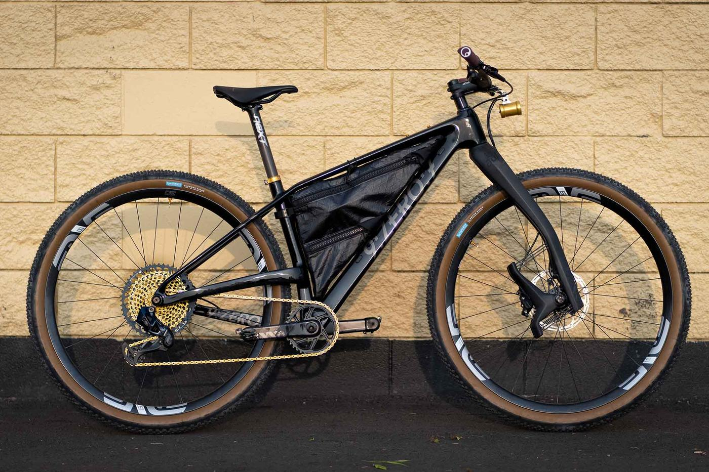 Readers' Rides: Adrian's 9zero7 Saber with a Lauf Fork