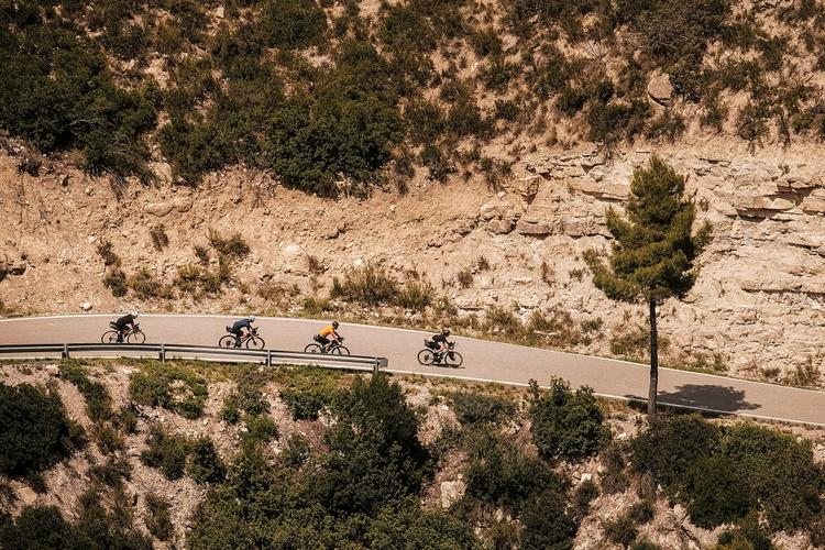 A Preview of the Kromvojoj Event: Road Touring in Catalonia – Stronger than Vinegar