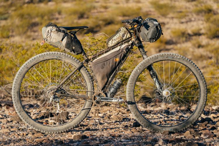 Cjell's Moné Hardtail with a 130mm Lefty Fork