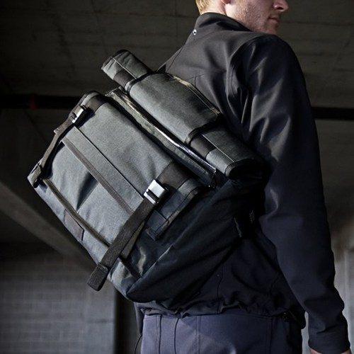 vx-messenger-bag-5.jpg