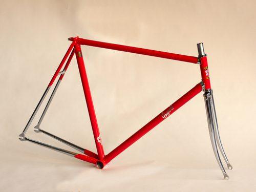 Superb-Vivace-Prototype-Track-Bicycle-Frame1.jpg