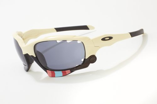 Rapha_Oakley_Cross_Jawbone_9_2011 0002.jpg