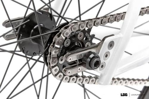 LDG_700c_Complete_Bike_Clean_4_0.jpg