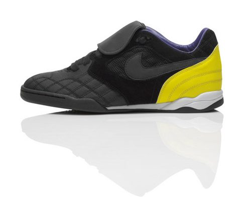 nike-sportswear-lance-armstrong-foundation-livestrong-collection-04.jpg